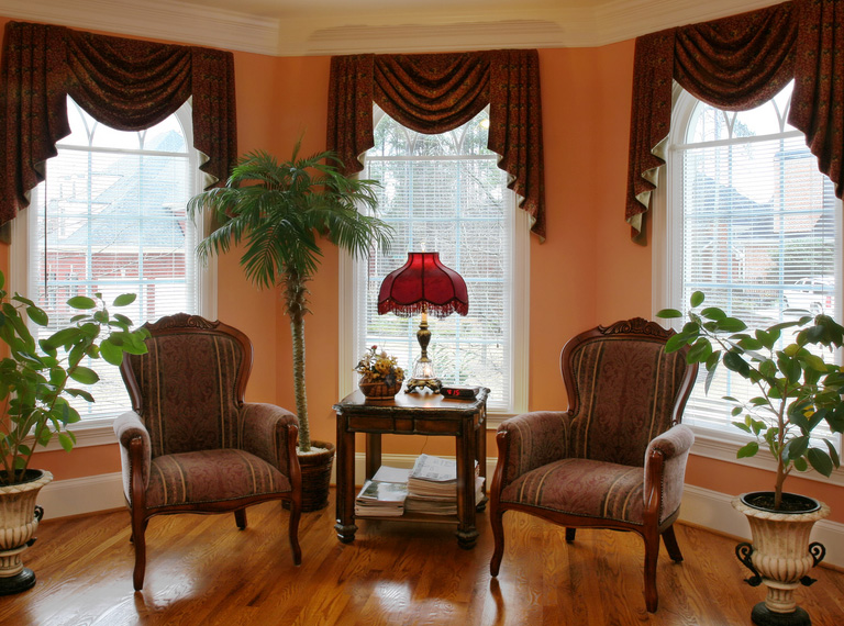 custom window treatment advantages over store-bought in austin, texas
